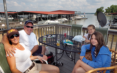commodore-yacht-club-lake-wylie-sc-day-at-the-lake